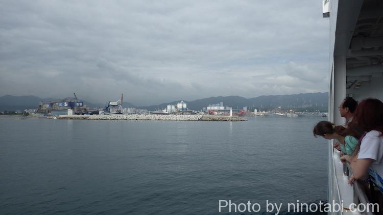 東海(トンへ)港へ