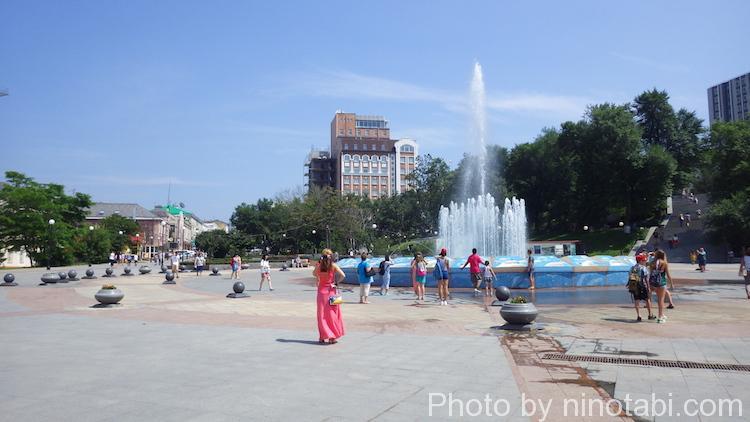 アドミラーラ・フォーキナー通りの噴水