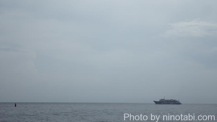 水平線の先が見えないバイカル湖