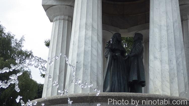 プーシキン記念碑