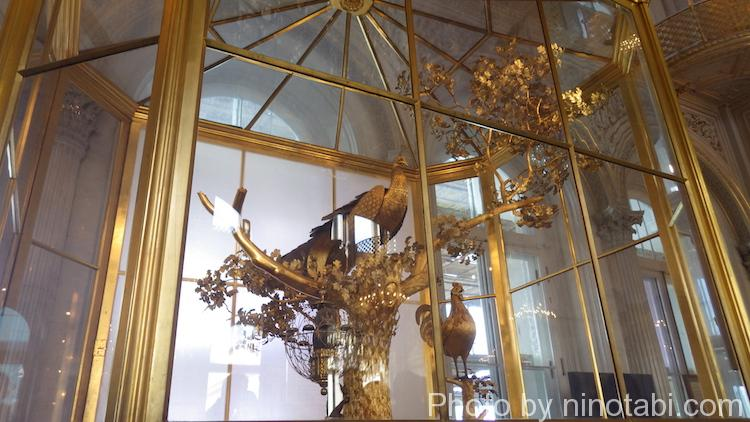 パヴィリオンの間の孔雀時計