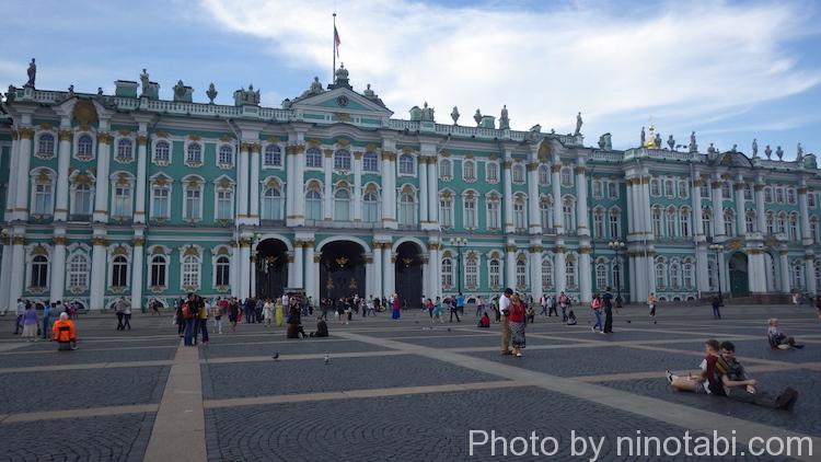 宮殿広場口