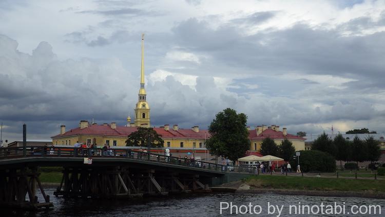 ペトロパヴロフスク要塞への橋