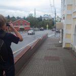 目的地の写真を撮るマキシム
