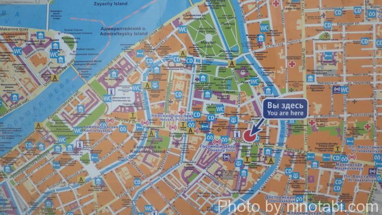 場所はこの赤丸の辺りオストロフスキー広場