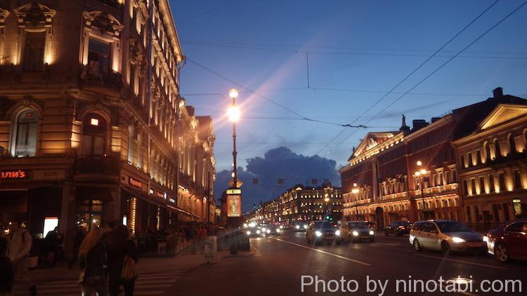 夜のネフスキー大通り