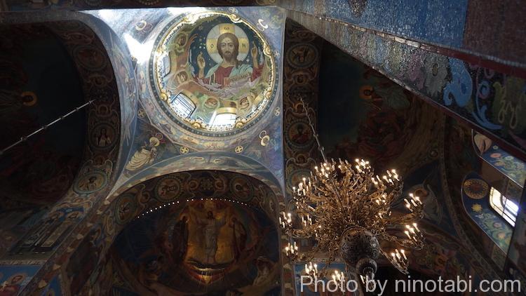 丸天井に描かれた『全能者ハリストス』