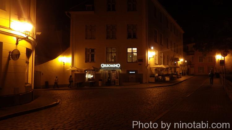 タリン旧市街の夜