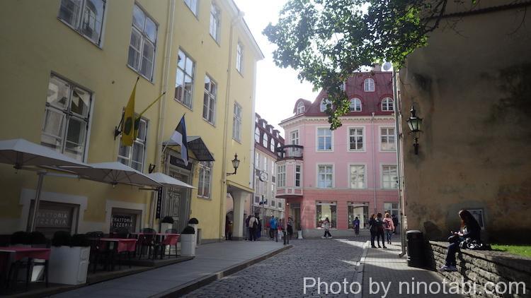 朝の旧市街