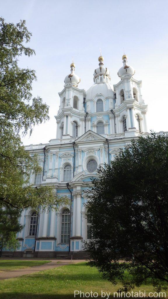 スモーリヌイ聖堂側面