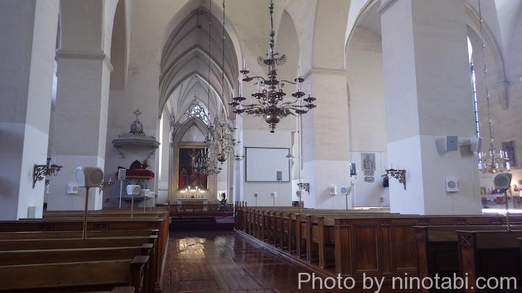 聖オレフ教会内