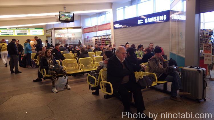 リガバスターミナルの待合室
