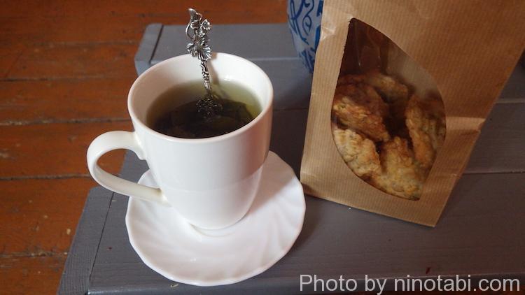 アルトゥーのくれた鉄観音のお茶とロディオンのクッキー