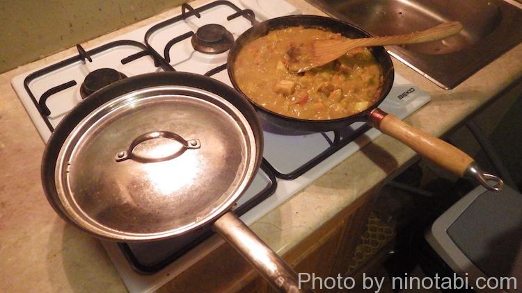 プライパンで炊いたご飯とカレー